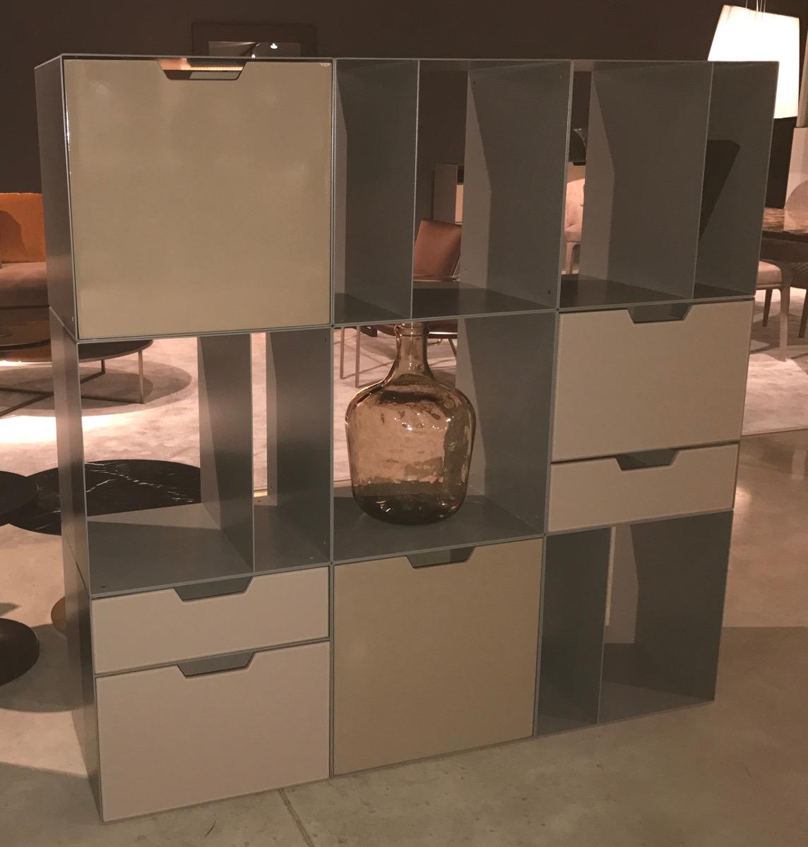 Libreria componibile a moduli e con cassetti alea alea for Moduli libreria