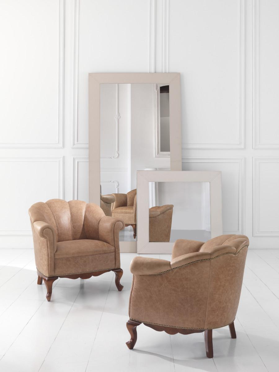 Poltrone classiche curve base legno pelle lusso ariel ariel - Poltrone letto piccole dimensioni ...