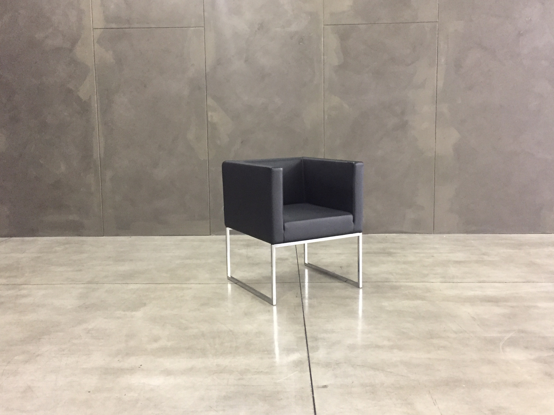 Poltroncine marelli outlet for Poltrone minimal