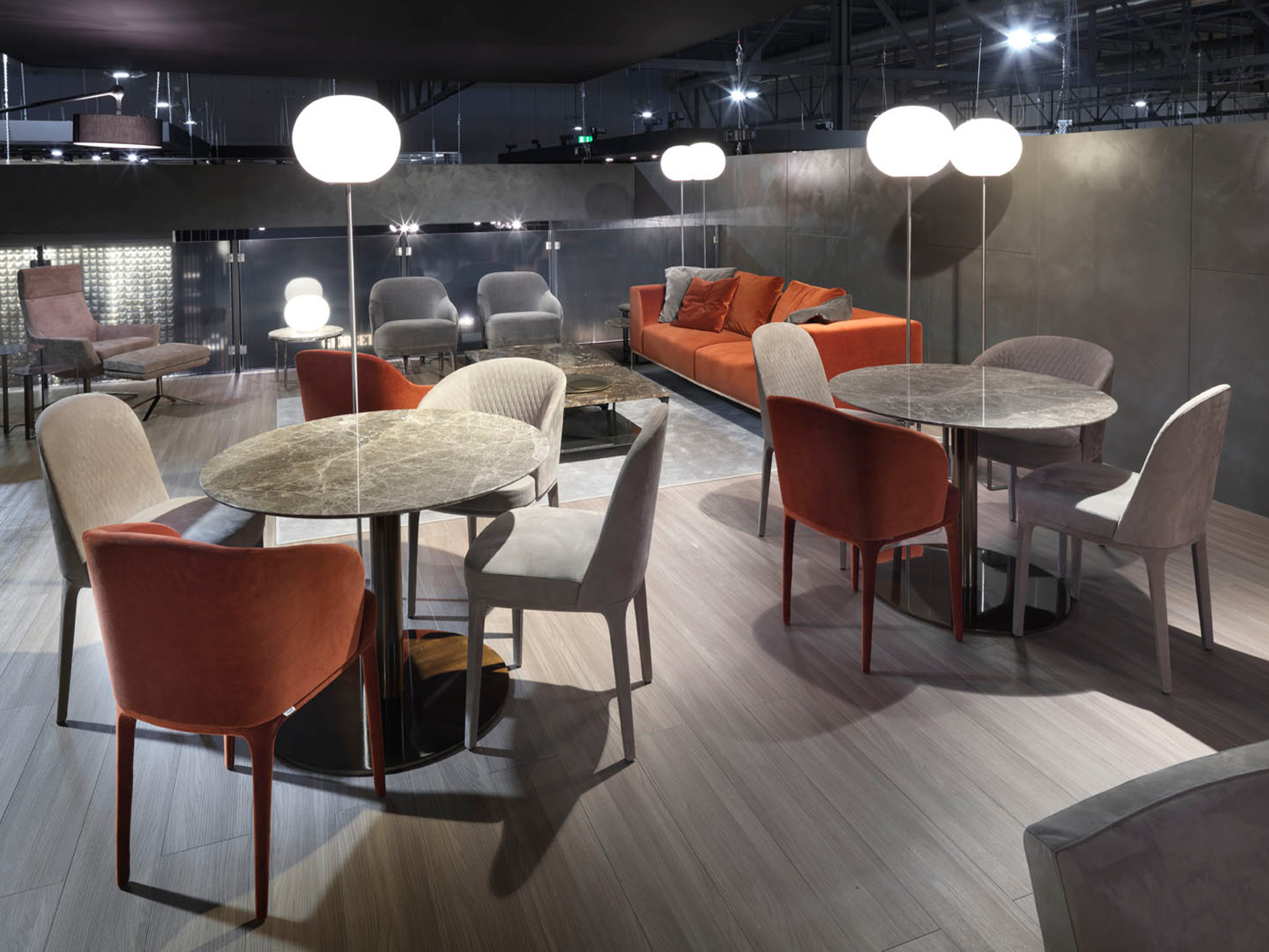 Tavoli con top in marmo, Marelli Outlet