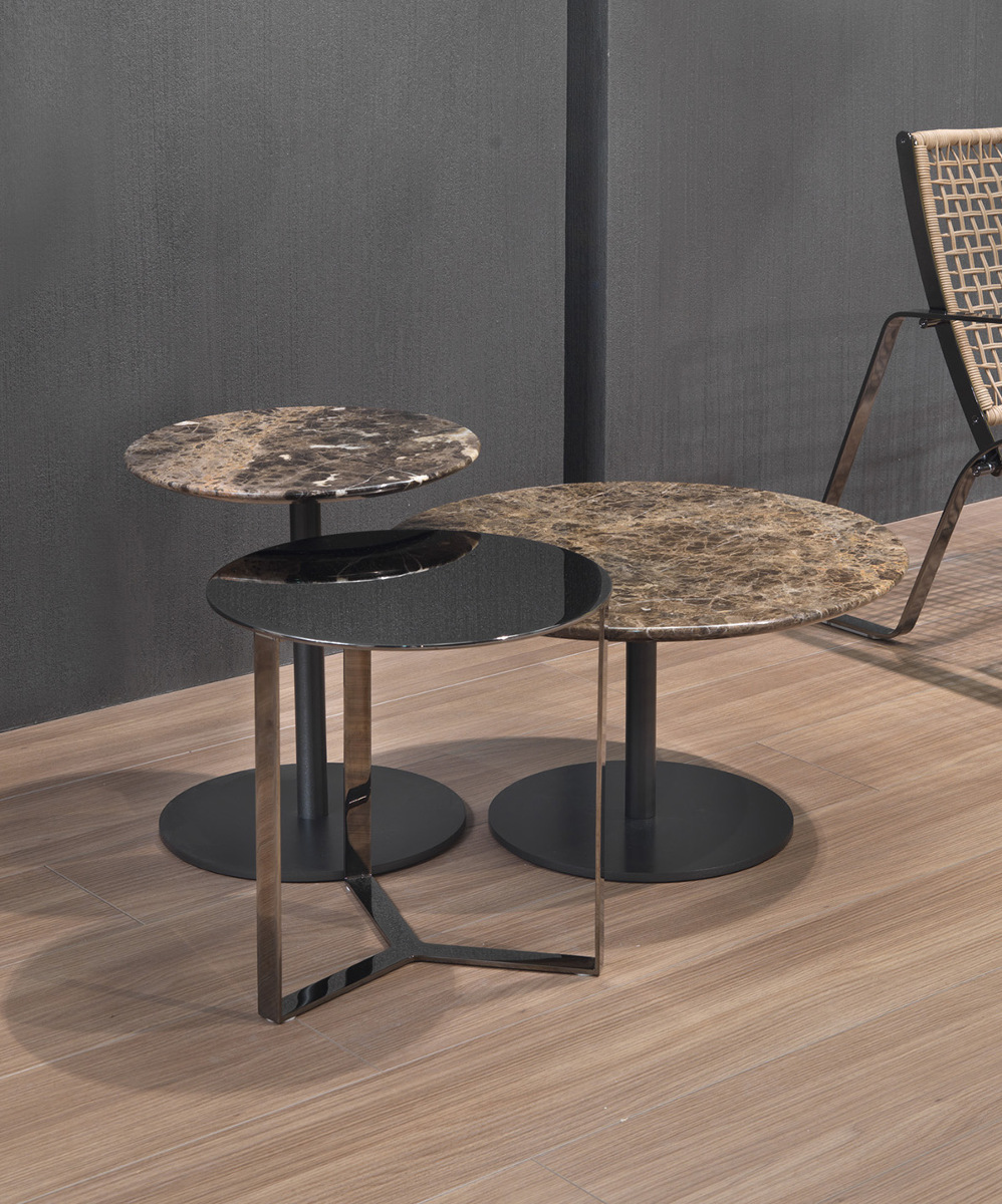 Tavolino elegante di design cromo nero clip clip for Tavolini di design