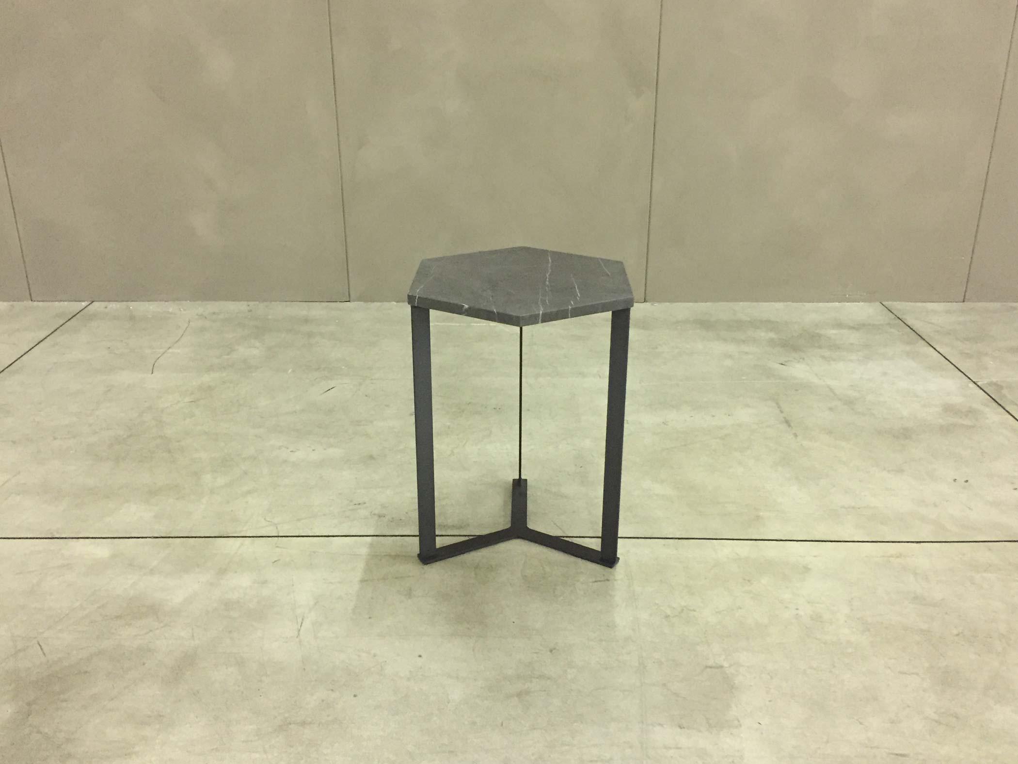 Tavolini con top in marmo, Marelli Outlet